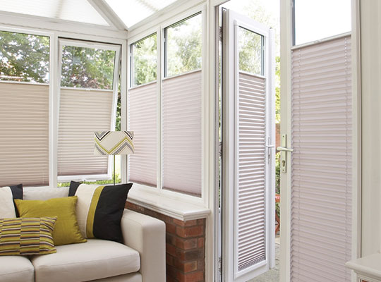 Perfect fit pleated blind